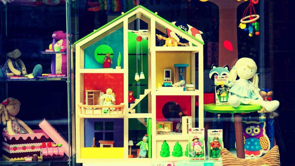 Ein Puppenhaus voller Puppen