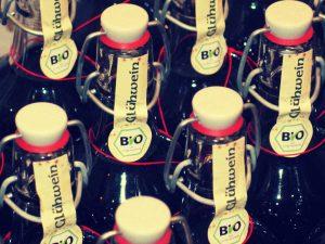 Bierflaschen mit Glühwein