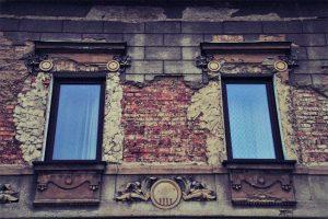 Zu viel heiße Luft – britisches Unterhaus bekommt erstes Fenster seit 1708