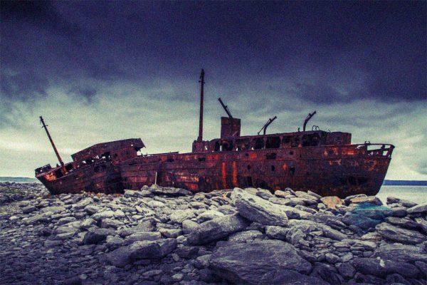 Ein Schiffswrack